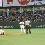 乃木坂46東京ドームで初めての始球式&新曲披露!
