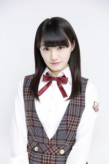 中田花奈の制服画像